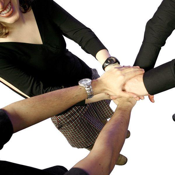Trabajo-en-equipo-Dirigirenfemenino